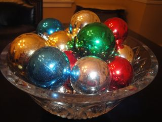 Festive-Holiday-Centerpiece
