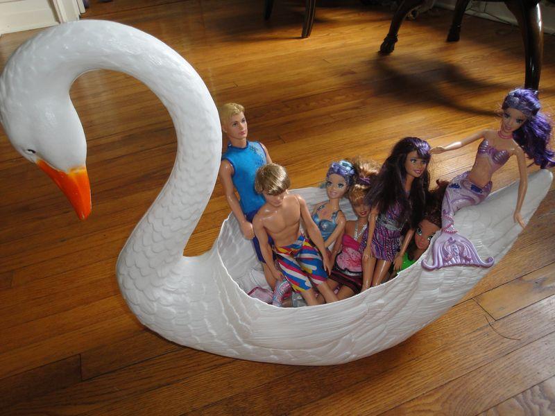 Doll-Boat