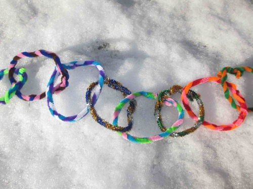 Pipe-cleaner-chain-craft